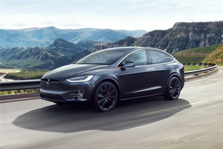 Tesla-Model-X-charging-connector-China-GB-country-driving_副本