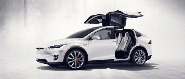 电动小汽车:钱柜娱乐平台Model X