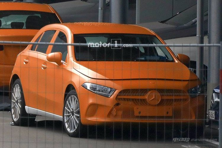 2018-mercedes-a-class-without-camouflage-spy-photo