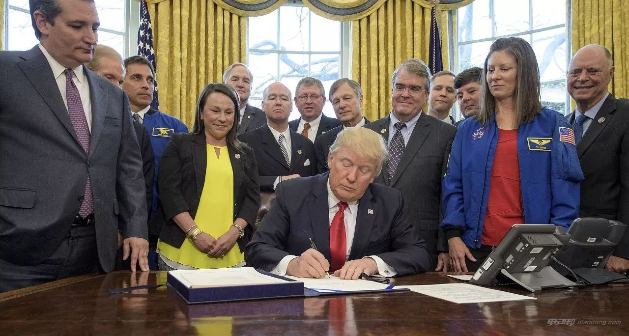 特朗普政府批准重组美国国家太空委员会