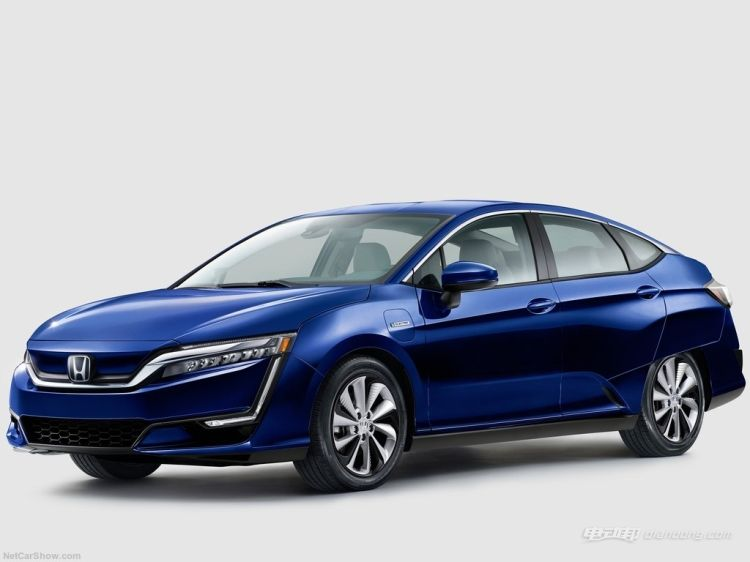 Honda-Clarity_Electric