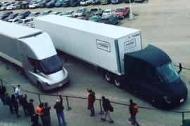 马斯克晒特斯拉卡车最新照片 首次货运路试出发