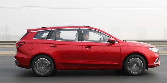 花15万买个电动轿车?不如看看这款旅行车