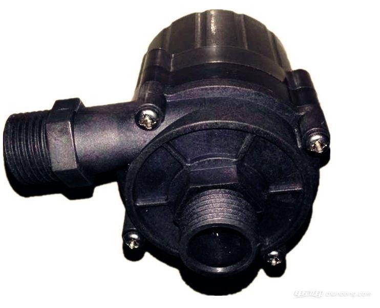 汽车电子水泵,很多新能源汽车,房车等特种车辆常用于微型水泵作为水
