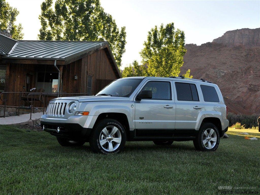 随着社会的发展,在环保环境的同时又有了新能源电动汽车,现在小便呢要和大家一起来了解一下沈阳jeep新能源汽车怎么样?来和小编一起看看吧! 新能源汽车jeep有哪些——jeep自由客