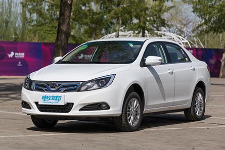 比亚迪 e5 新能源汽车