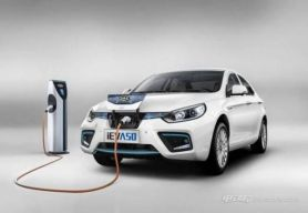长安和江淮新能源汽车哪个好?长安CS15EV与江淮iEVA50车型对比