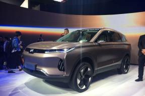 全球首发!威马EX6 Concept亮相北京车展