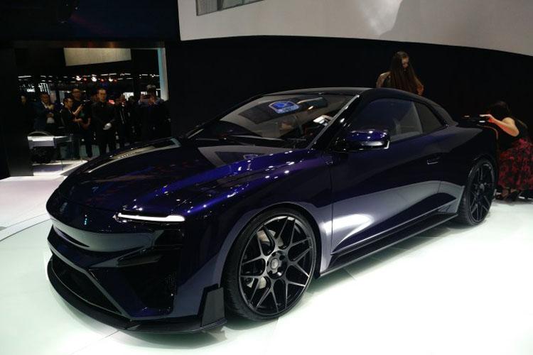 百公里加速2.5秒 爱驰RG概念车全球首发