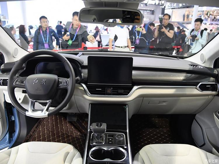 或年底上市 红旗推首款紧凑型纯电动SUV