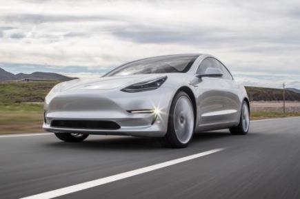 特斯拉和御捷电动汽车哪个好?特斯拉Model 3配置怎么样?