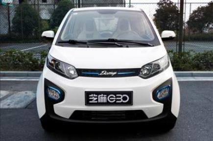 众泰新能源电动汽车怎么样?众泰E200外观内饰