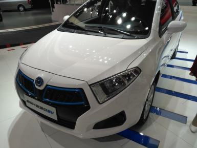 中华和一汽电动汽车哪个好?中华和一汽电动汽车车型推荐