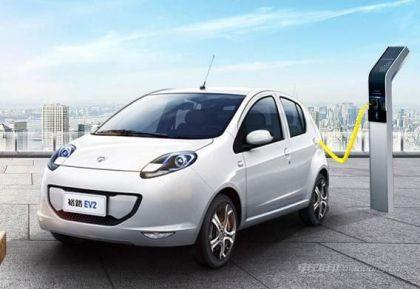 众泰和裕路新能源汽车哪个好?