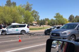 这下谷歌也栽了 Waymo自动驾驶车辆在美国发生事故