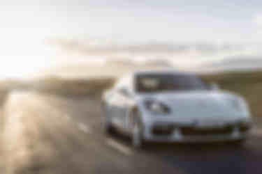 Porsche-Panamera_4_E-Hybrid-2017-1024-07