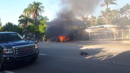 特斯拉在美国又出车祸,撞墙着火致2死1伤