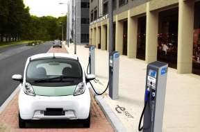 电动汽车充电口一般在哪里?汽车知识介绍