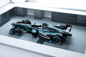 """风驰""""电""""掣 新能源汽车赛事也能点燃速度与激情"""