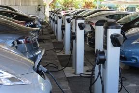 2023年电动车充电市场发展将多快 你一定想不到