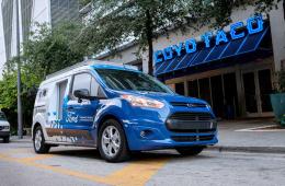 福特与Postmates合作测试自动驾驶外卖运输车