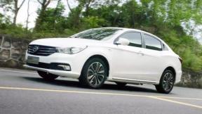 15万左右的新能源汽车比亚迪e5与广汽传祺GA3SPHEV