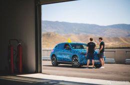 全新奔驰EQC将于9月发布,奔驰电动化道路就此开启