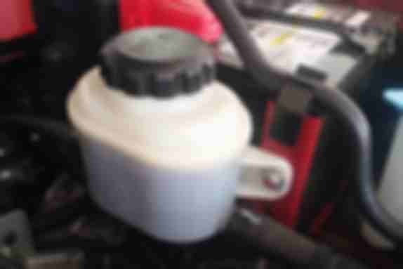 刹车油和助力油一样吗:相似性