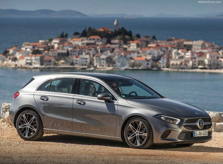 Mercedes-Benz-A-Class-2019-1024-05