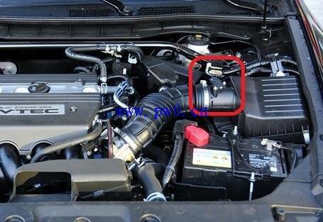 汽车的进气温度传感器的作用:故障诊断