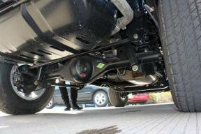 汽车底盘被磕到有事吗?汽车底盘被磕如何检查
