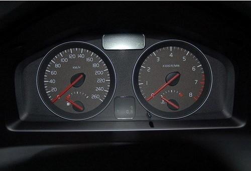 汽车转速表多少自动档,汽车转速表介绍
