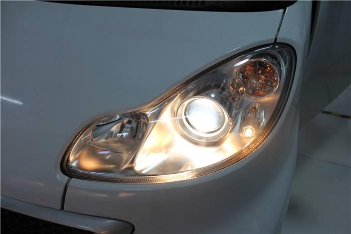 汽车大灯透镜是什么