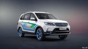 日前,开瑞汽车官方发布了开瑞K60EV官图,车型为一款纯电动三排七座SUV车型。根据此前报道,开瑞K60EV将会在8月8日正式上市销售,新车基于汽油版车型打造,