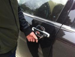 汽车机械锁都开不了怎么办,为什么车门还是打不开!