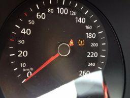 新能源汽车电瓶指示灯有感叹号,教你认识汽车仪表盘上的指示灯