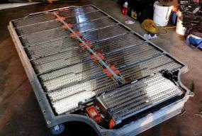 3.5万美元版Model 3 预计半年后上市 或将采用轻量化电池