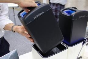 本田推出可更换动力电池组,女孩单手就能更换
