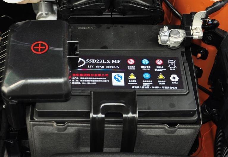 汽车电池并联的时候冒火花,汽车蓄电池寿命介绍