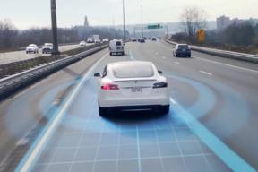 特斯拉或将采用自主研发的AI芯片,维护完全自动驾驶