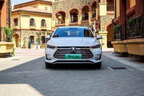 北京街头每两辆新能源汽车就有一辆是比亚迪——专访比亚迪总经理助理叶庭文