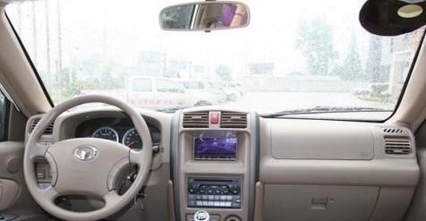 汽车秋天车内风挡有雾吹不散,挡风玻璃起雾巧解决