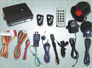 一组传感器,包括开关,压力传感器和运动探测器  可以发出多种声音的