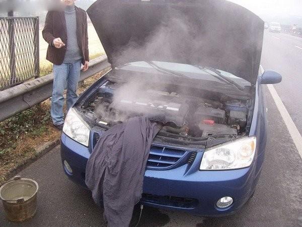 养护注意,发动机温度过高勿立即熄火