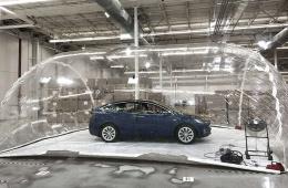 """特斯拉汽车""""生物武器防御模式""""在加州野火中被证明极其有用"""