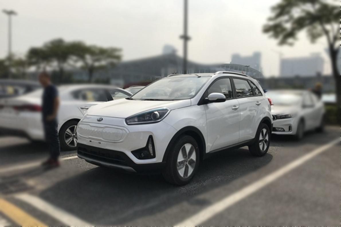 2018广州车展探馆:起亚KX3 EV实拍,趴在地上发现新不同