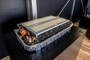 固态电池要来了,能量密度超400瓦时/千克