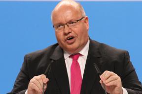 德国经济部长质问BBA掌门人:你们啥时候能有特斯拉一半的性感?