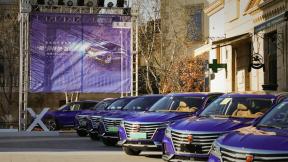颜值、科技、安全,车主是这样看待荣威MARVEL X的