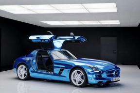 看好电动超跑 奔驰考虑推电动SLS继任者
